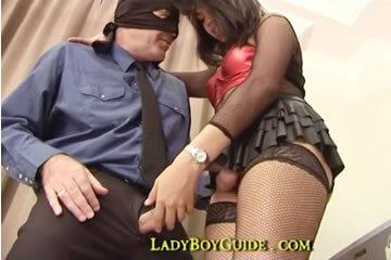 Masked white guy fucks thai TS bitch